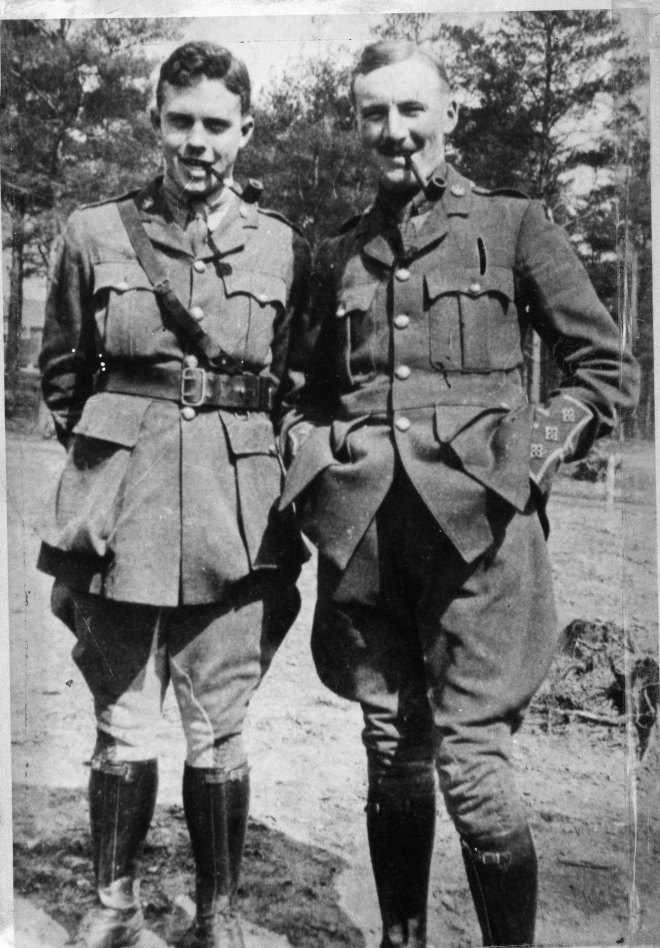 2 unidentified soldiers smoking pipes